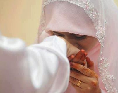 Contoh Doa Seorang Istri Solihah Untuk Suami