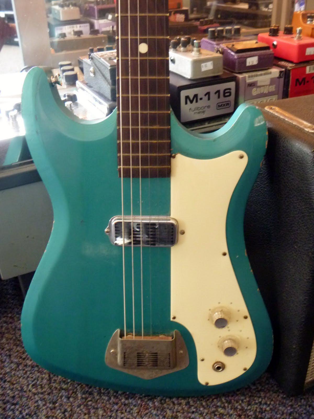 Wood & Wire Guitar Shop Blog: 2011