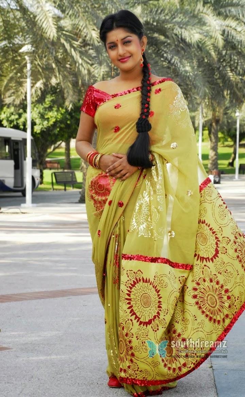 Meera Jasmine Wedding Saree Stylish Indian Actress Saree