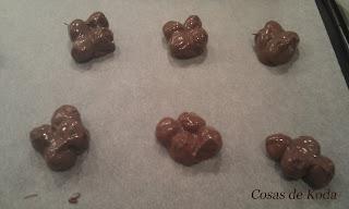 Avellanas con cobertura de chocolate