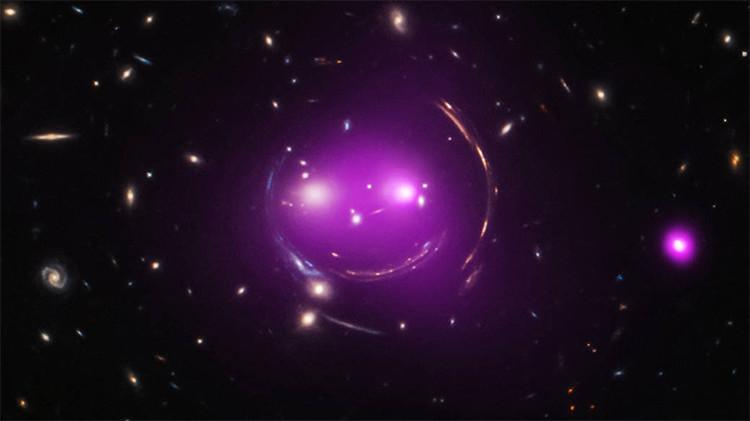 Un grupo de galaxias dispuestas de tal forma que recuerdan al sonriente 'gato Cheshire'