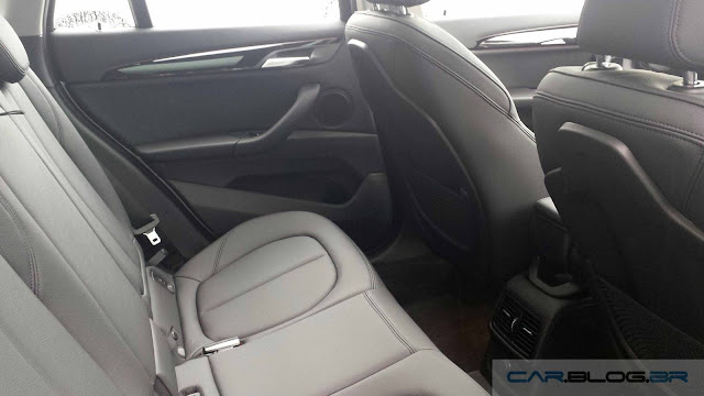 Novo BMW X1 2016 xDrive25i - interior