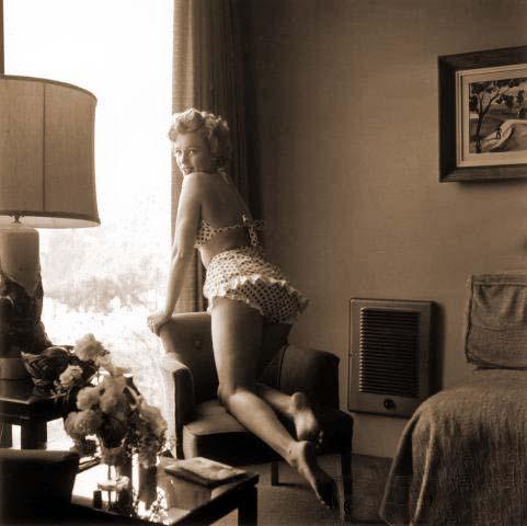 Marilyn Monroe likes polka dot