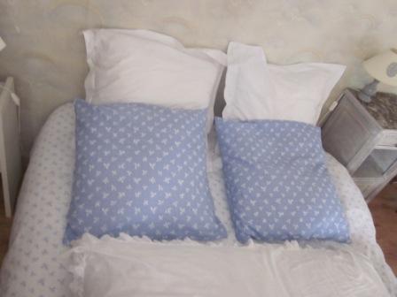 taie d oreiller 60x60 la petite maison de Sylvie: Faire une taie d'oreiller taie d oreiller 60x60
