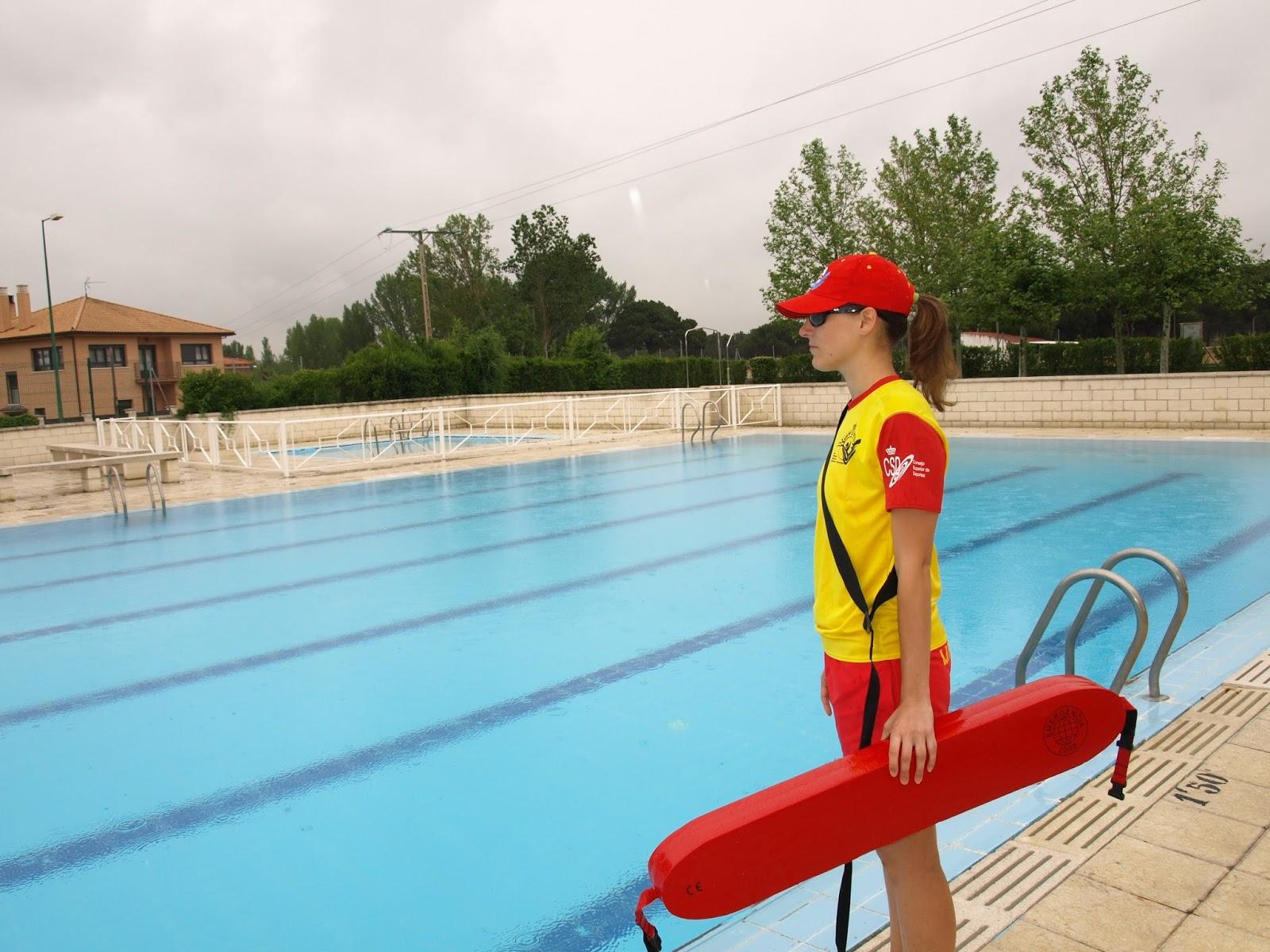 El faro de la seguridad cada hora mueren cuarenta personas por accidentes relacionados con el - Socorrista de piscina ...