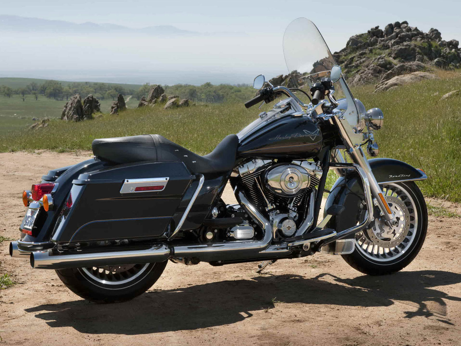 harleydavidson pictures 2012 flhr road king. Black Bedroom Furniture Sets. Home Design Ideas