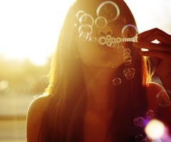 +¿Tan bonita y sin novio? -¿Tan payaso y sin circo? ;)