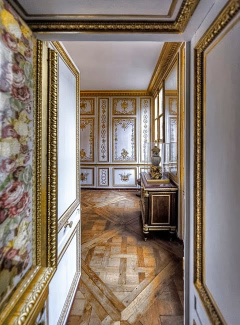 tweedland the gentlemen 39 s club les petits appartements versailles by richard mique v deo. Black Bedroom Furniture Sets. Home Design Ideas