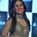 Kareena Kapoor Looks Super Hot At The 'Ra.One' Promotional Event