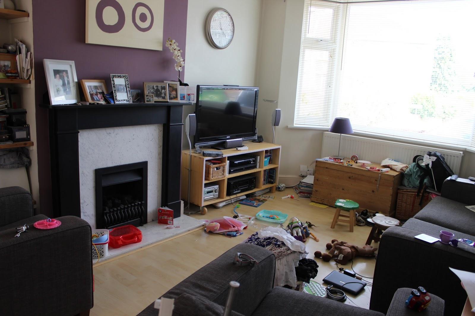 crafty wyatt step one clean and tidy the living room rh craftywyatt blogspot com