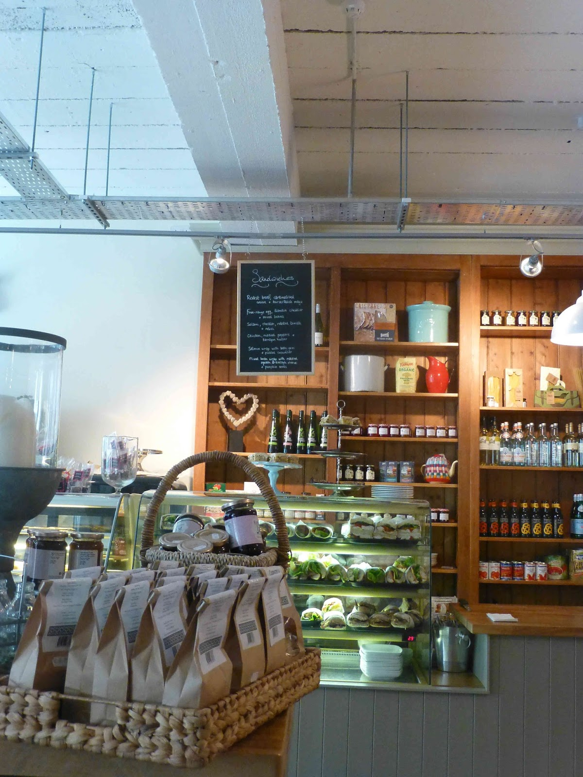 restaurants and food: perry street market cafe