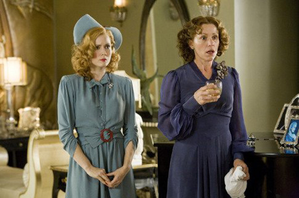 miss pettigrew lives for a day amy adams and frances mcdormand