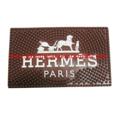 Dash Mat Hermes Perancis