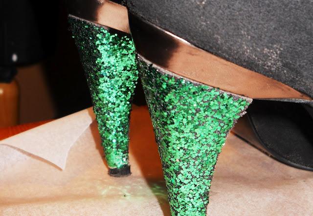 brokatowe buty DIY
