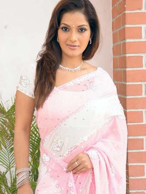ruthika in saree actress pics