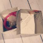 http://accesoriosninabonita.blogspot.com.es/2015/03/caja-packaging-papel-periodico.html