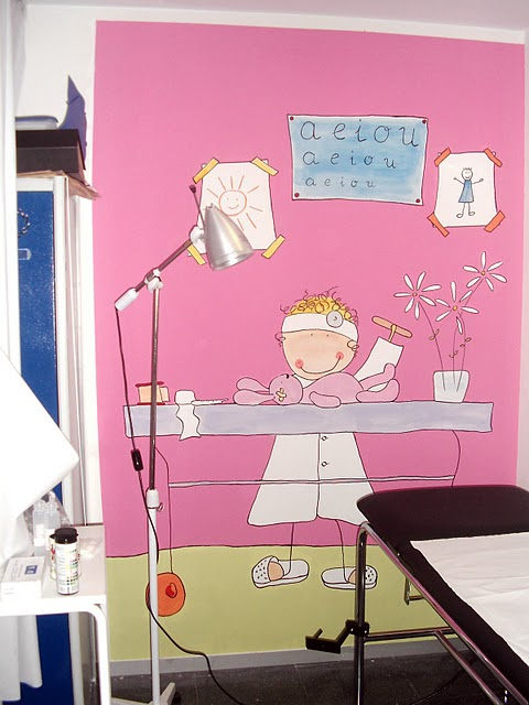 Des murs enchant s avril 2011 for Peinture murale enfant