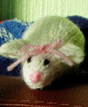 http://www.ravelry.com/patterns/library/miss-mouse