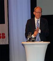 Bild med blixt, röda ögon på Johan Söderström