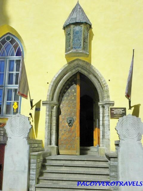 De turismo por Tallin: Puertas Medievales