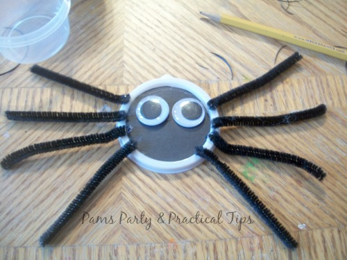Spider treat box for Halloween party