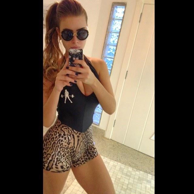 Rayanne Morais: Segredo para ter cintura fina