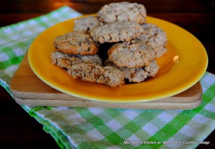 Oatmeal Toffee Crispy Cookies