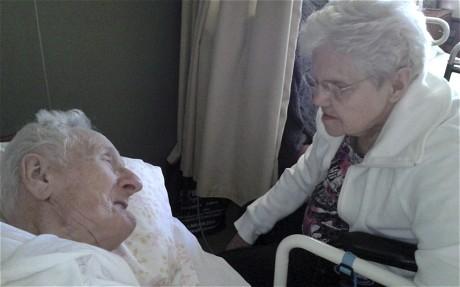 Casal americano morre juntos, no mesmo dia, com quase 66 anos de matrimônio.