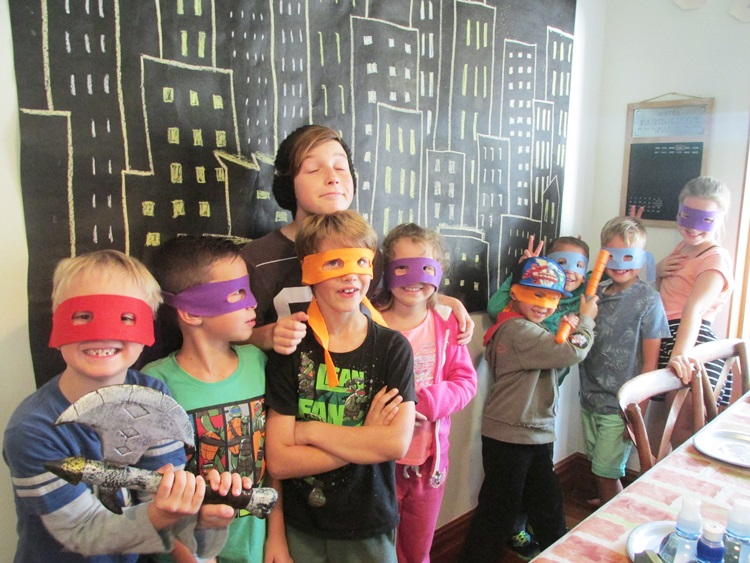 Ninja Turtle Party guests wearing their masks