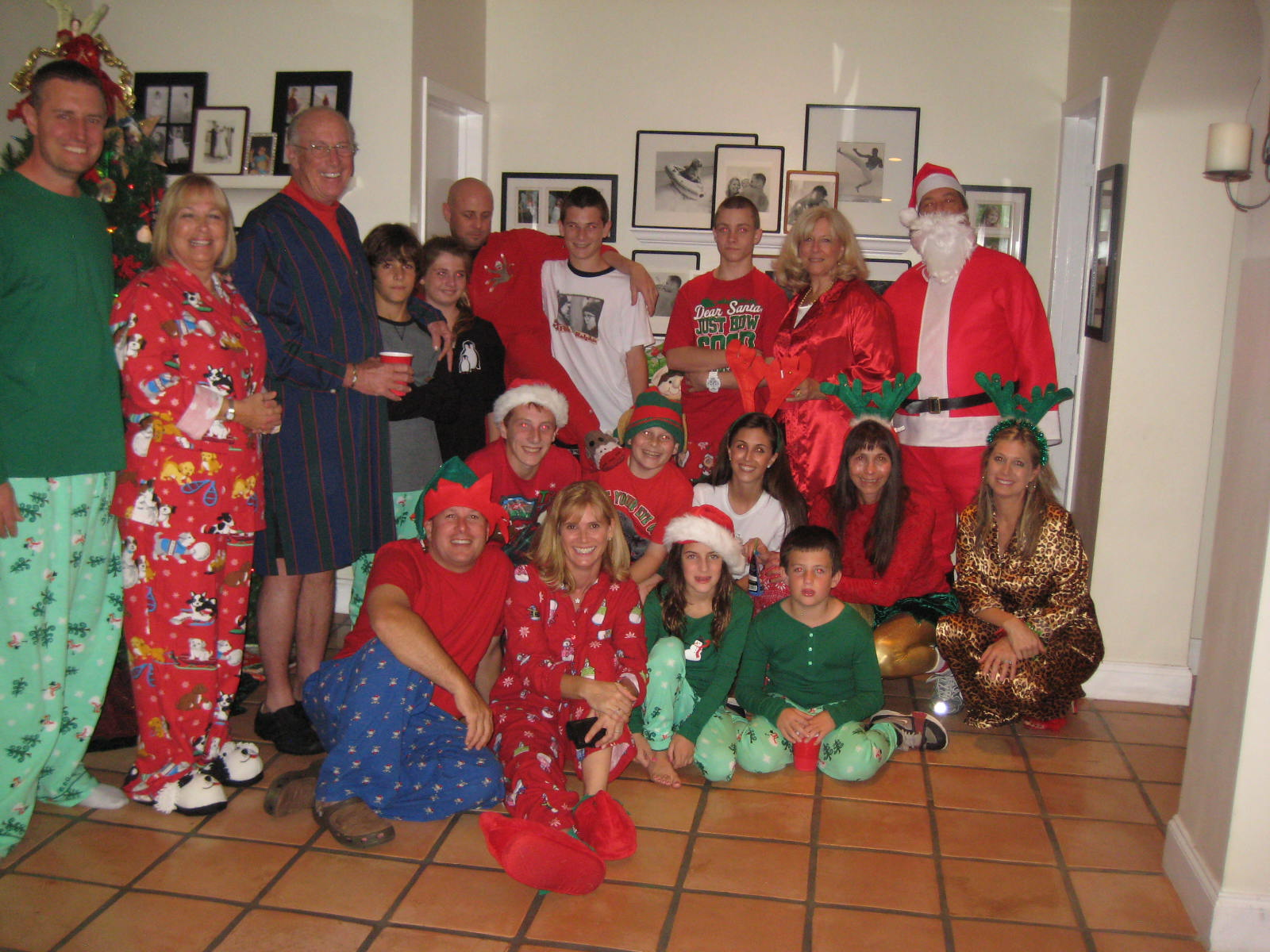 Wonderful Ideas For Family Christmas Party Part - 14: Christmas Pajama Party