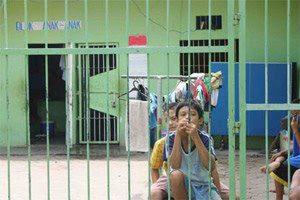 http://www.opoae.com/2013/02/kisah-mengharukan-bocah-jenius-yang.html