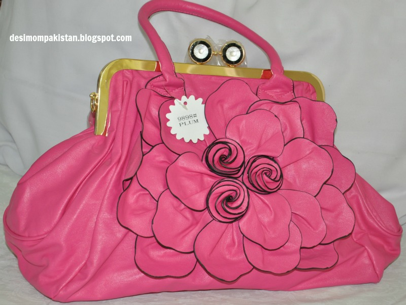 HOT PINK KISS LOCK LARGE TOTE' BAG, PKR 1200