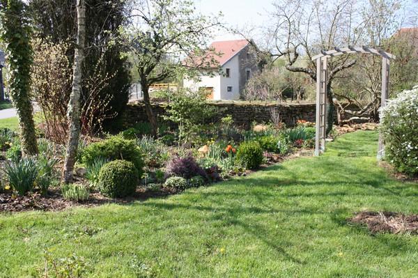 massifs bord de route et printemps le blog de mon doubs jardin. Black Bedroom Furniture Sets. Home Design Ideas