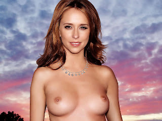 Jennifer Love Hewitt Naked And Hot In Cleveland Session