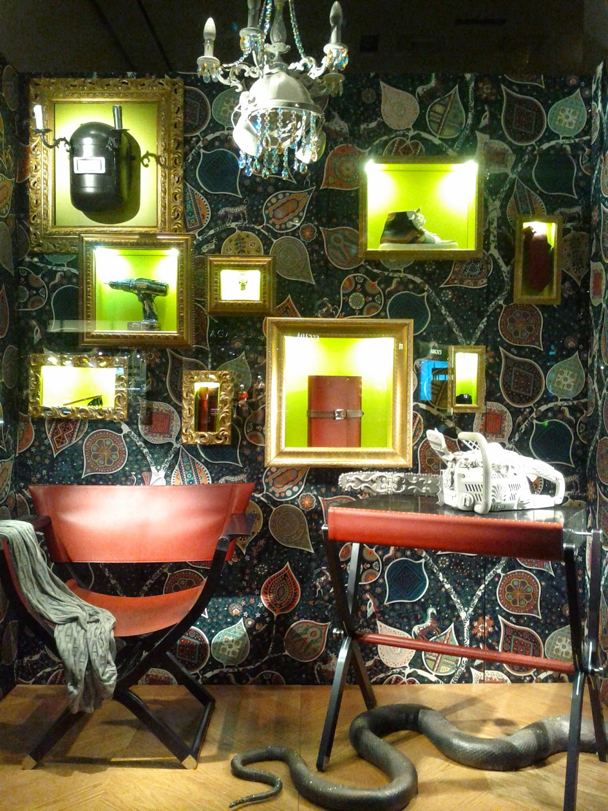 Hermes beatiful living room set (Bay and Bloor)