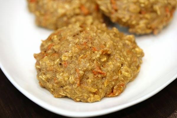 carrot-cake-oatmeal-cookies