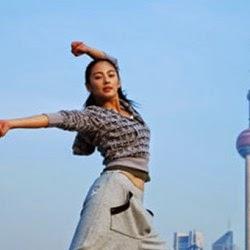 Artis Indonesia yang Tidak Pernah Pakai Bra
