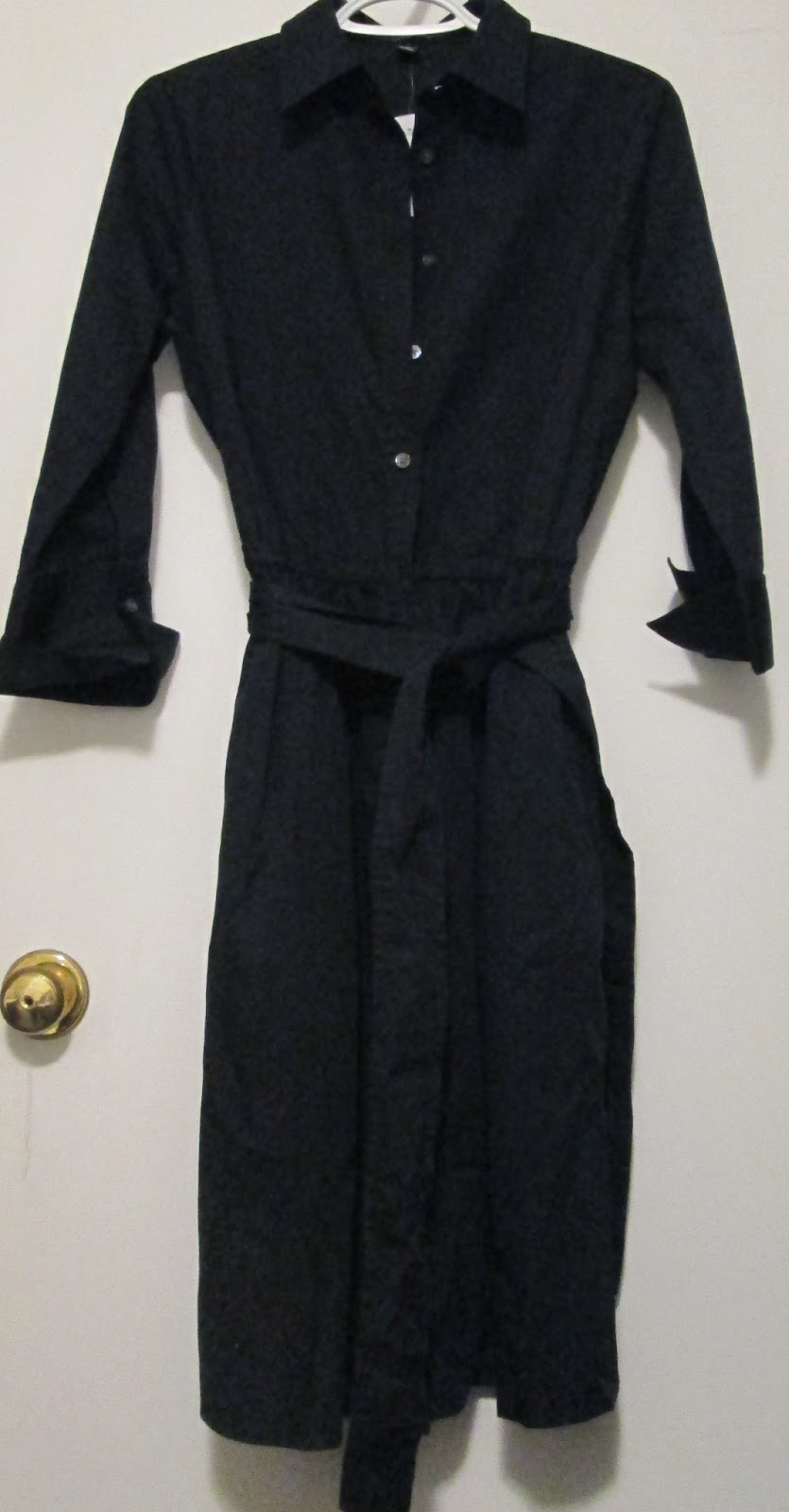 """Old Navy Mens Large TALL Dark Gray Long-sleeve T-shirt - Modern Slim Fit, % Cotton, machine wash/dry, made in Vietnam. Measurements taken while the garment was laying flat and shown in photos – chest 44"""", hem 44"""", top of sleeve is 27"""", the total length from shoulder to hem is 31""""."""