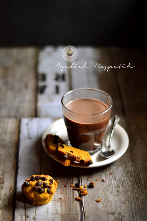 Hot Chocolate, Biscotti dan Motret Asap [lagi]