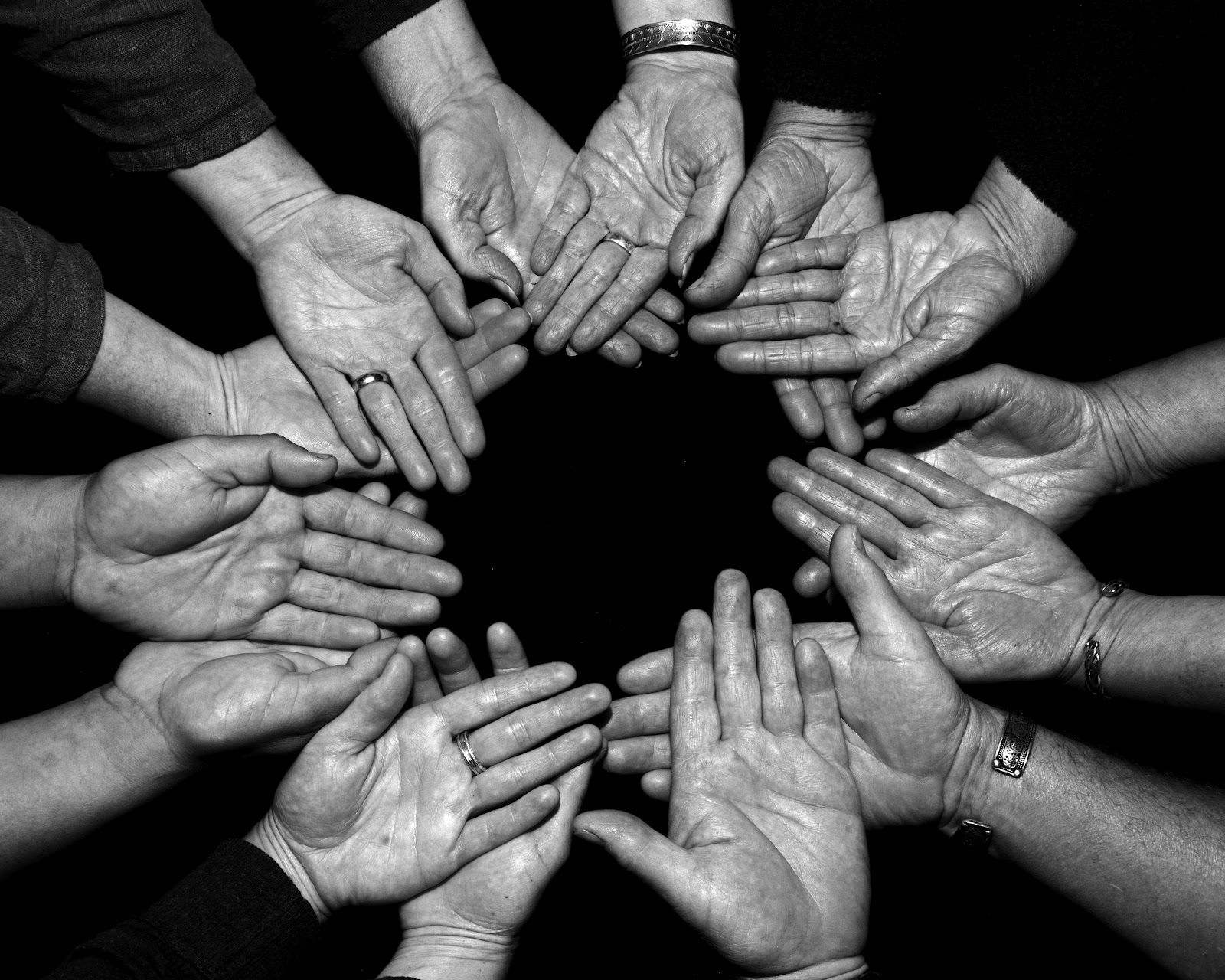 97+ Black And White Photography People Holding Hands ...