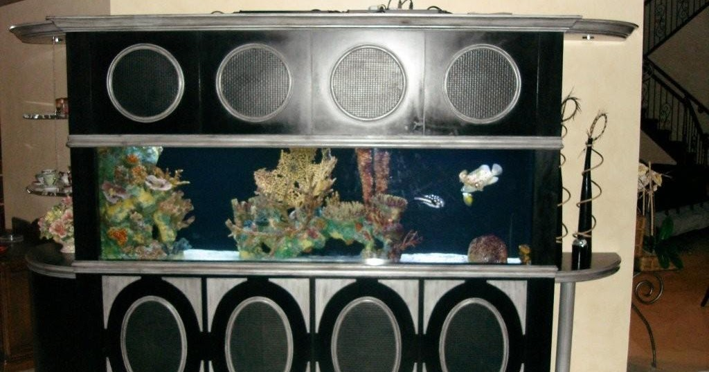 Giant aquariums exotic custom made 300 gallon eight foot for Free fish tanks craigslist