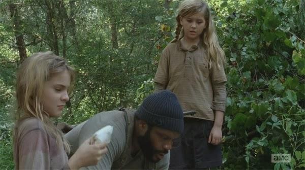 """Tyreese y Judith en """"Inmates"""" el decimo episodio de la cuarta temporada de THe Walking Dead"""