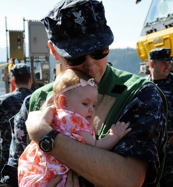 http://photofun4u.in/soldiers-meeting-their-children-for-the-first-time