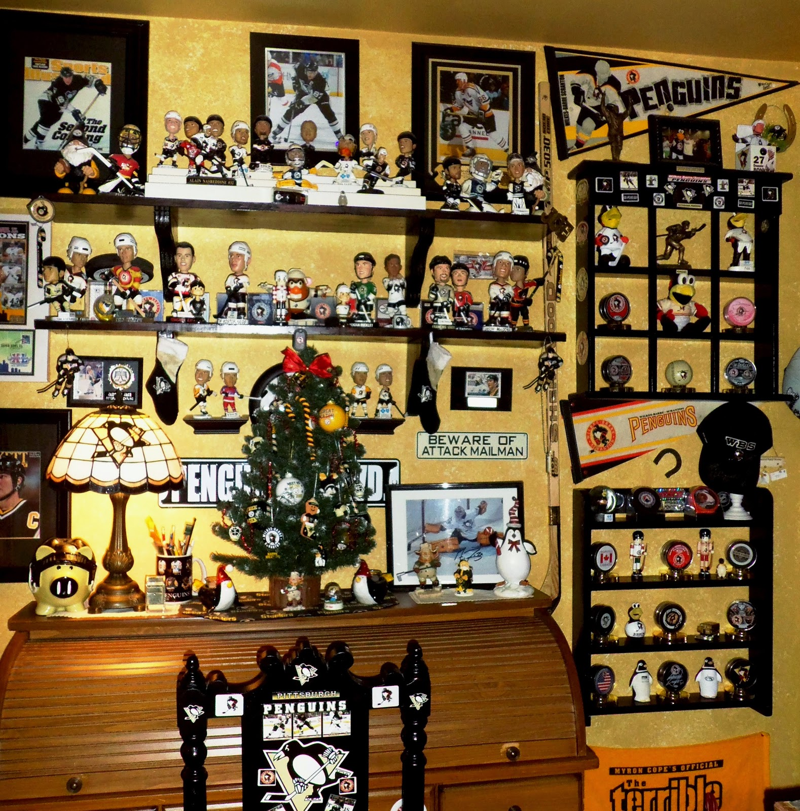 Pittsburgh Penguins Bedroom Decor A Debbie Dabble Christmas The Rest Of The Upstairs And Nelson