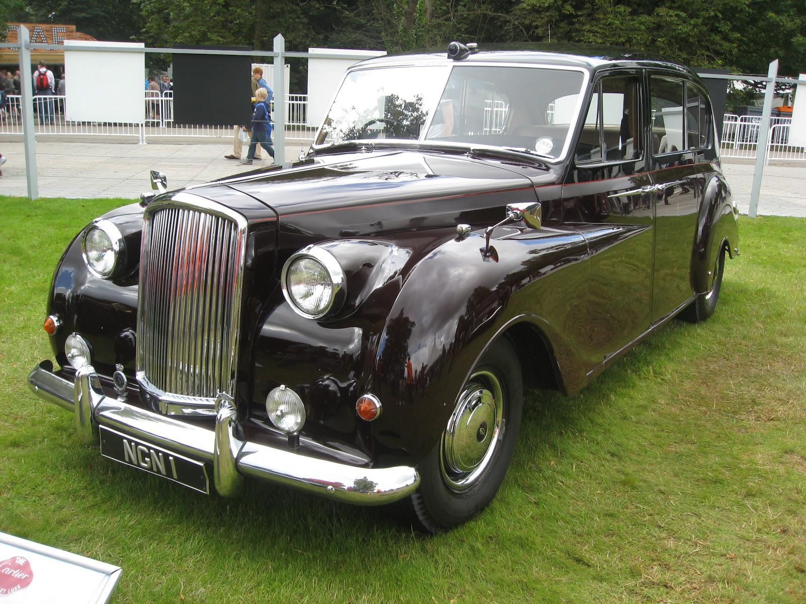 http://3.bp.blogspot.com/-VRdd8hFHkXY/T_lmJx3my7I/AAAAAAAAAis/0BA6cmQRtnM/s1600/1969+Austin+Princess+4.0+Vanden+Plas+Limousine.JPG