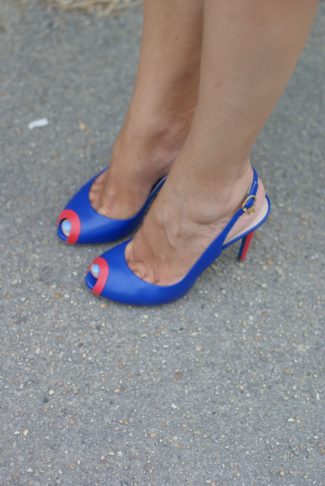 Loriblu open toe pumps on Fashion and Cookies fashion blog