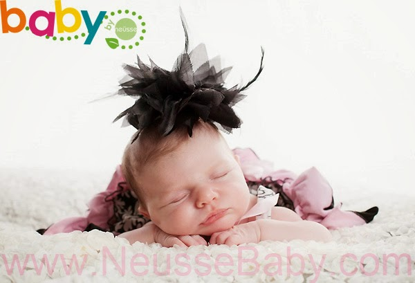 One month old newborn baby portrait session by Neusse PHotography LLC Lehigh Valley premier baby photographer
