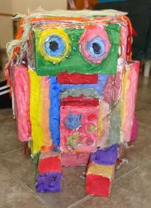 Robot de cartapesta y otras cositas más...!