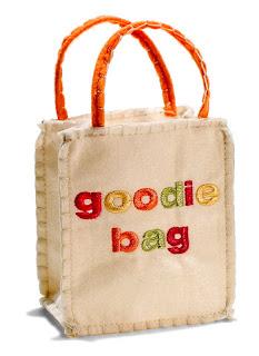 http://3.bp.blogspot.com/-VS1TdlkZf-c/Tw34fcHev4I/AAAAAAAAAMo/G4COUefz0m4/s1600/goodie-bag.jpg