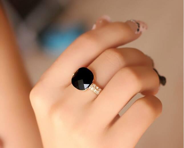 4 Unique Nails Designs   jewelry